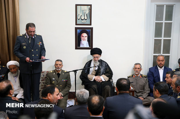 Leader receives officials of Khatam ol-Anbiya Air Defense Base