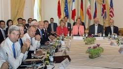 كيري يكشف ماذا قال ظريف ولافروف في لحظة مفاوضات حرجة