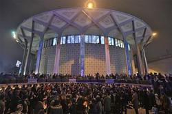 تقدیم نمایش های تئاتر شهر به شهدای حمله تروریستی اهواز