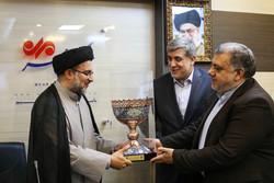 تكريم الرئيس السابق لمنظمة الإعلام الاسلامي في مقر وكالة مهر للأنباء