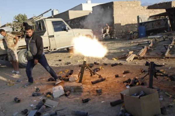 لیبیا میں جیل سے سیکڑوں قیدی فرار ہونے میں کامیاب