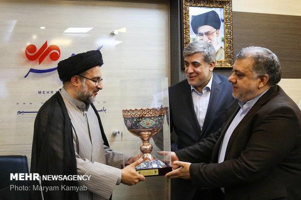 تكريم الرئيس السابق لمنظمة الإعلام الاسلامي