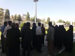 تجمع «کهریزیها» مقابل استانداری کرمانشاه /داد حاشیهنشینان درآمد