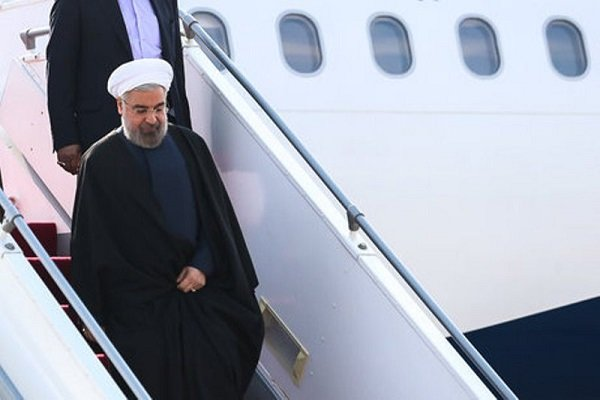 Rouhani arrives in Asaluyeh to inaugurate projects
