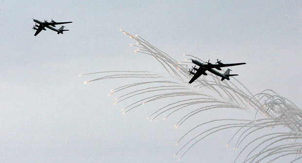 """الدفاع الروسية: أربع طائرات استهدفت منشآت لـجبهة """"النصرة"""" في إدلب"""