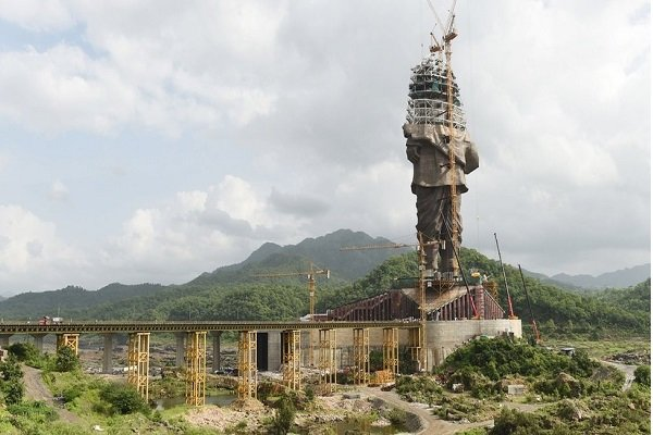 Dünyanın en büyük heykeli tamamlanma aşamasına geldi