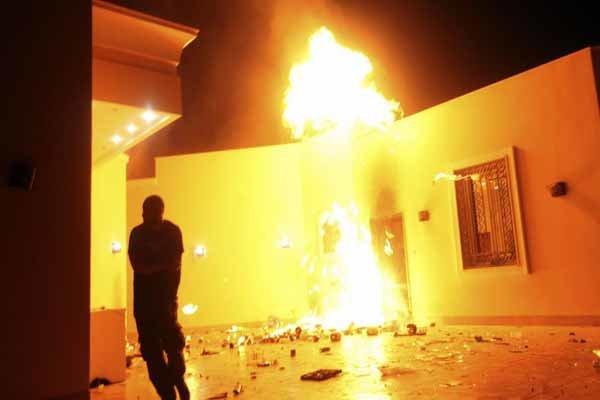 لیبیا میں امریکی سفارتخانہ میں آگ لگ گئی