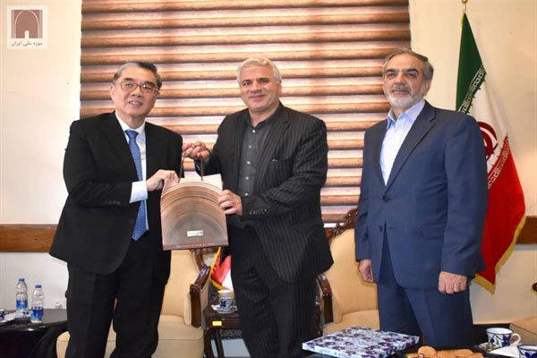 توافق ایران و سنگاپور برای برپایی نمایشگاه آثار موزه ای دو کشور