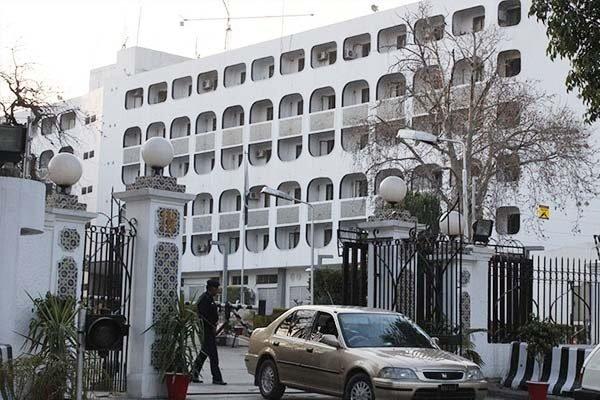 پاکستانی وزارت خارجہ میں امریکہ اور پاکستانی حکام کے درمیان مذاکرات