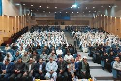 مراسم نمادین عقد زوج لرستانی و اعطای ۵۰۰ سری جهیزیه به نوعروسان