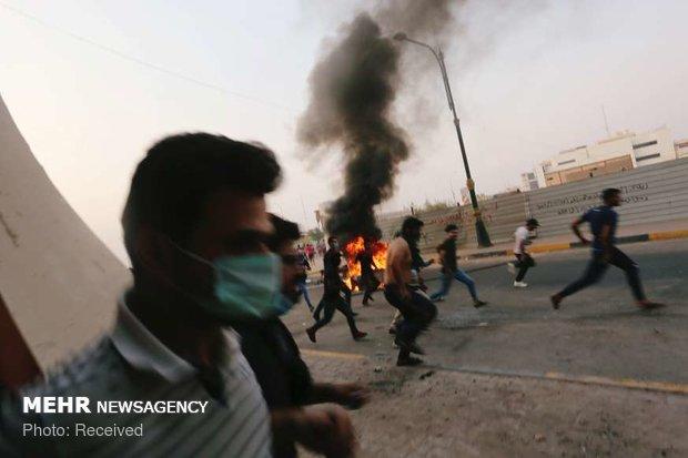 حمله معترضان به ساختمان استانداری بصره