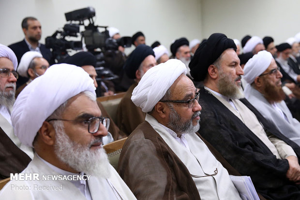 Members of Assembly of Experts meet with Iran's Leader