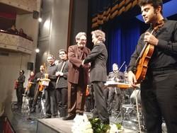 حسین علیزاده: موسیقی ایرانی را خوانندهمحور کردهاند