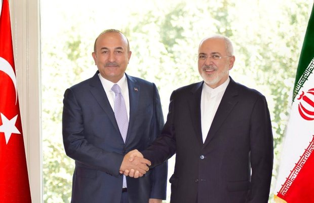 FM Zarif, Turkish counterpart Cavusoglu meet before trilateral summit