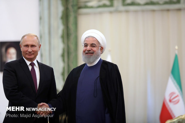 Rouhani, Putin to hold separate meeting on sidelines of Sochi tripartite summit