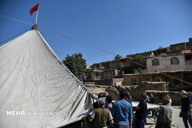 مراسم خیمه پوشان در روستای پیوژن مشهد