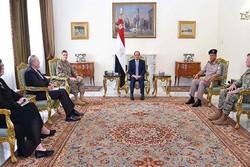 فرمانده نیروهای مرکزی ارتش آمریکا با رئیسجمهوری مصر دیدار کرد
