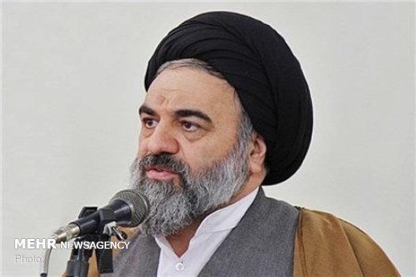 مسئولان جامعه را در جهت تقویت وترویج فرهنگ ملی واسلامی هدایت کنند