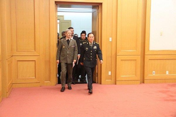 İran Savunma Bakanı: Çin temasları verimli geçti