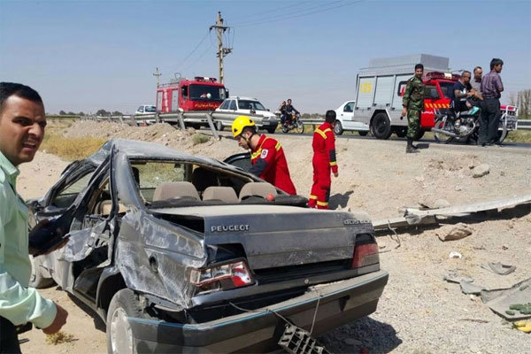 واژگونی خودرو پژو در ورامین ۲ مصدوم برجا گذاشت