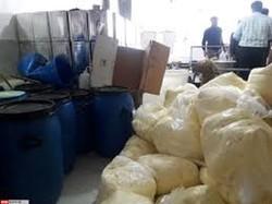 ۳۰۰ کیلو روغن حیوانی غیر بهداشتی از یک کارگاه تولیدی در ورامین کشف شد