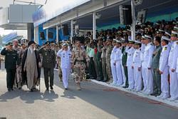 İslam Devrimi Lideri askeri mezuniyet töreninde