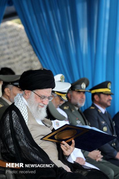 حضور فرمانده معظم کل قوا در دانشگاه علوم دریایی نوشهر.