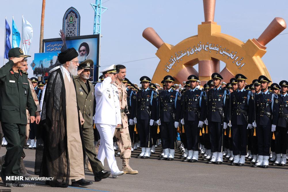 قائد الثورة يرعى مراسم تخرج دفعة جديدة من الضباط العسكريين