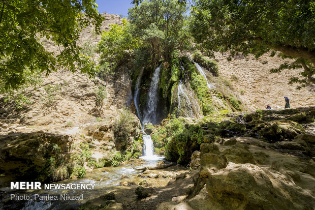 آتشگاه سرزمینAtashgah waterfall; a must-see in Southwestern Iran های فیروزی