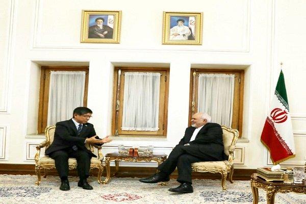 السفير الياباني يلتقي وزير الخارجية الإيراني بمناسبة ختام مهامه
