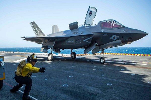 جنوبی کیرولائنا میں امریکہ کا جنگی طیارہ F-35B  گر کر تباہ