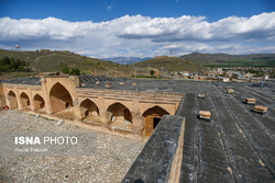 Now abandoned and alone in Iran's Hamadan province, the 17th-century Farasfaj Caravanserai is of its many counterparts that are scattered across the country.