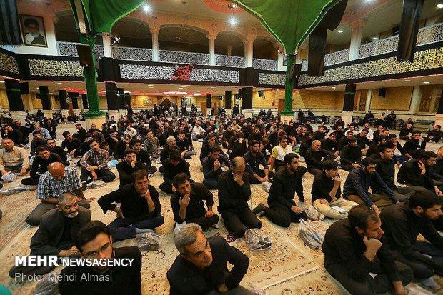 اعلام عزاي حسيني و تعويض پرچم حسينيه اعظم زنجان