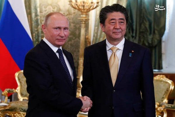 Putin proposes Abe mutual peace treaty signing without any precondition