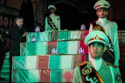 دفاع مقدس کے 135 شہیدوں کے پیکروں سے الوداعی تقریب