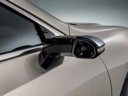 خودرویی با دوربین دیجیتال به جای آینه بغل به بازار می آید