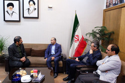 قائم مقام وزیر فرهنگ و ارشاد اسلامی به تئاتر شهر آمد