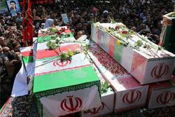 پیکرهای مطهر ۹ شهید گمنام و یک شهید مدافع حرم وارد کرمان شد