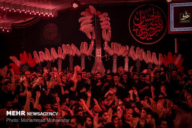 الليلة الخامسة من محرم في هيئة موج الحسين (ع) في طهران