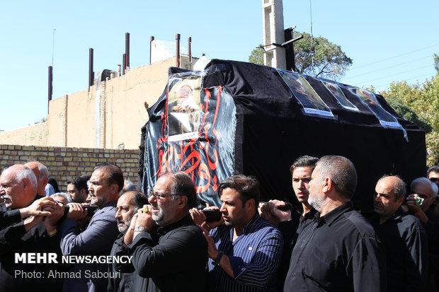 فلم / شاہرود میں آیت اللہ اشرفی کی تشییع جنازہ میں ہزاروں افراد کی شرکت