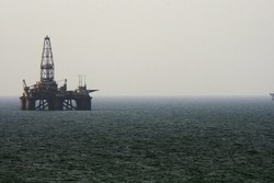 Iran-Azerbaijan oil talks continue