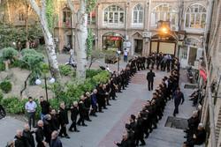 مراسم سینه زنی هیات های عزاداری در بازار بزرگ تبریز