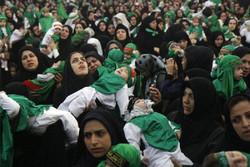 همایش شیرخوارگان حسینی در امامزاده حسین(ع) قزوین برگزار شد