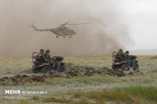مانور نظامی روسیه و چین
