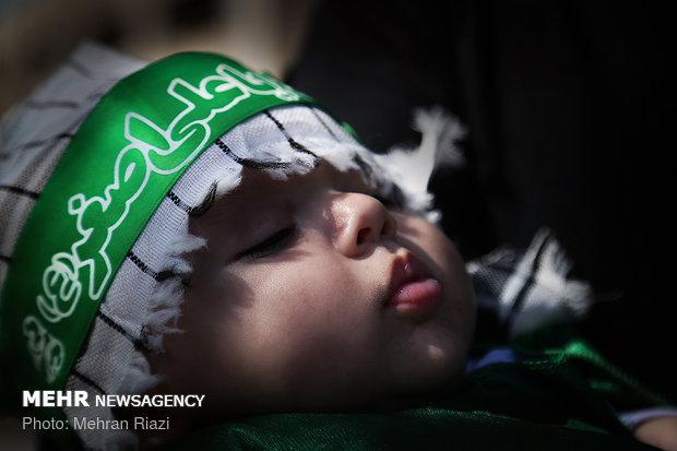 احياء مراسم اليوم العالمي للطفل الرضيع في مختلف المدن الإيرانية