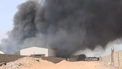 اليمن .. قوى العدوان تستهدف مستودعا لبرنامج الغذاء العالمي بالحديدة