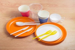 تامین کامل مواداولیه محصولات پلاستیکی/با اخلالگران برخورد میکنیم