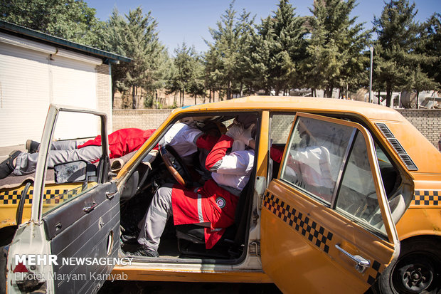 Red Crescent training session in Qazvin