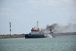 مانور مقابله با آلودگی نفتی دریا در آستارا برگزار شد