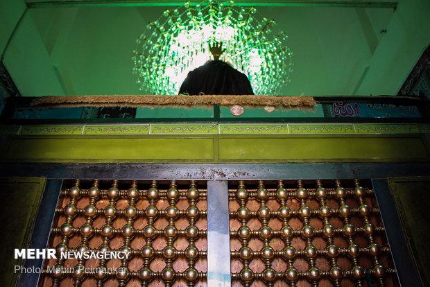 """مراسم مذهبية في مرقد """"أويس قرني"""" لأتباع الطريقة القادرية"""